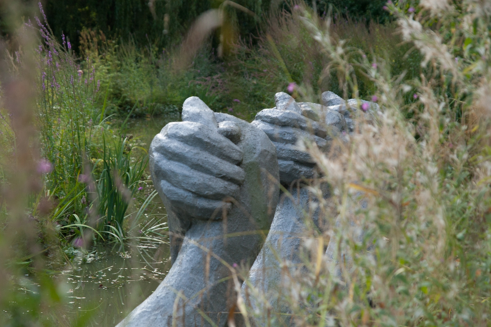 Fight Club, Bras de Fer, Polyester Resin, Concrete, Styrofoam, Steel, 150 cm x 180 cm x 60 cm x 3 elements, Biennale de Yerres, permanent collection, Parc Caillebotte, Yerres, 2012