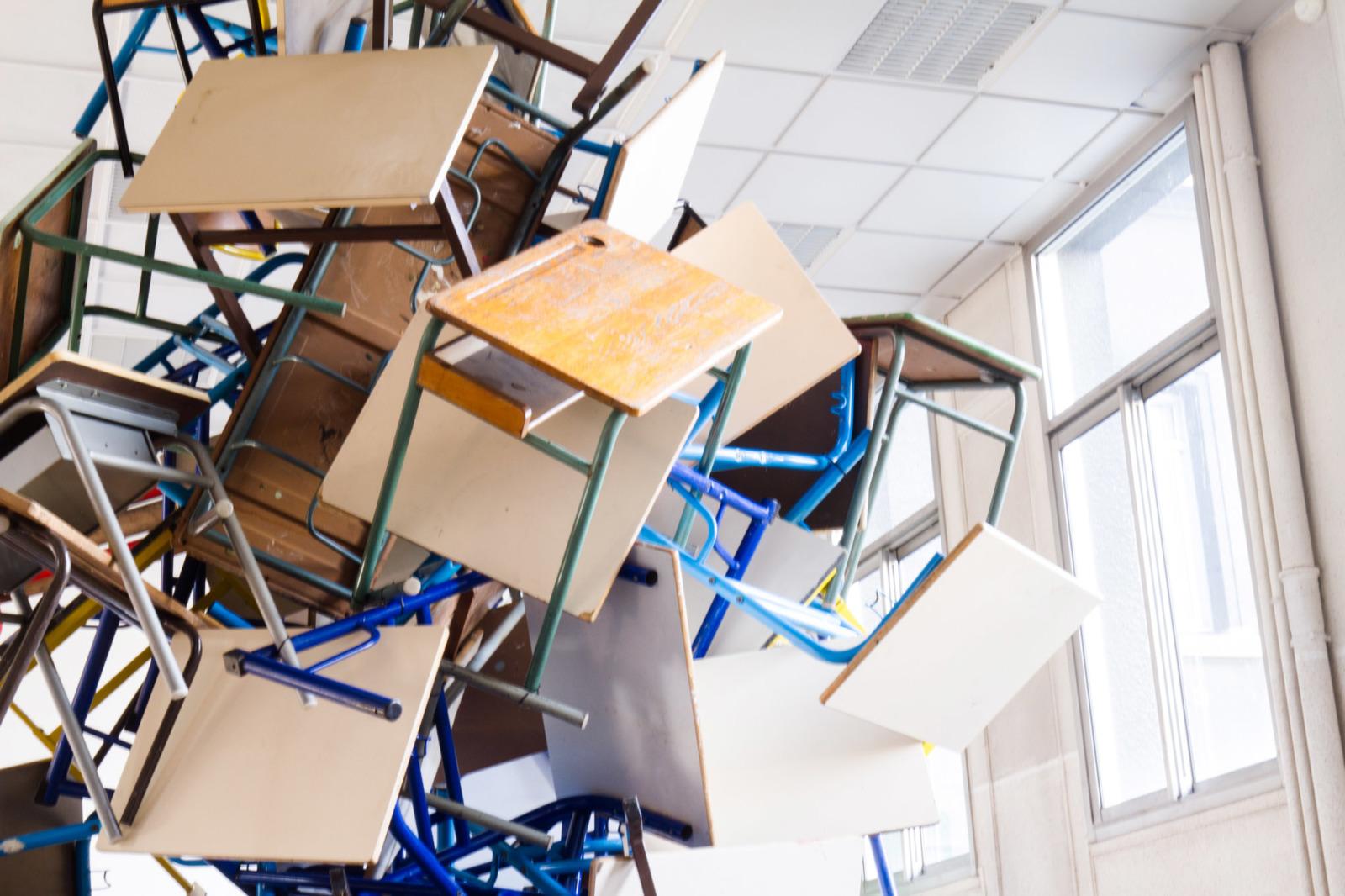 Colonne sans fin (étude), Installation in situ, Biennale de Gentilly, 2m x 2m x 4,5m, 2019. (detail)