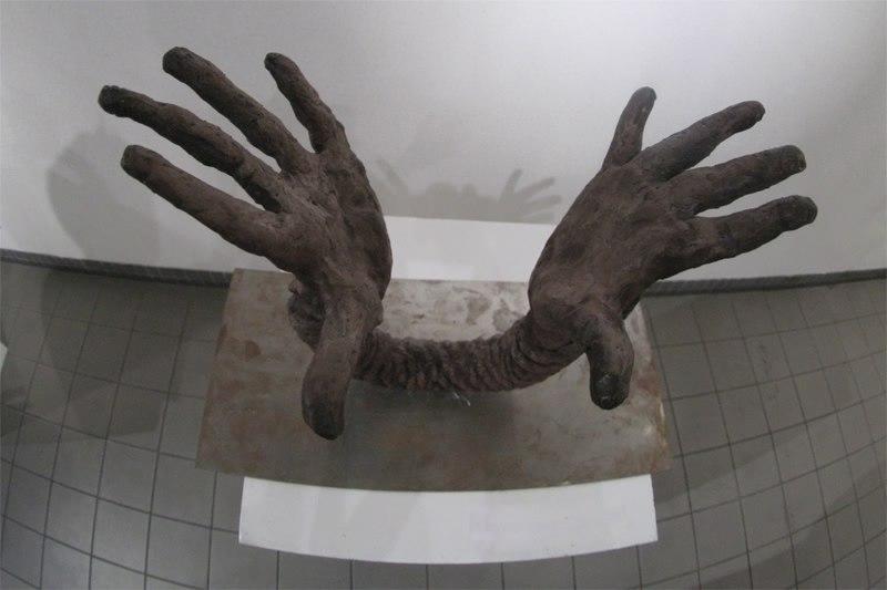 Opening, 2007, 3 elements, 50 cm x 40 cm x 20 cm, Fired Ceramic
