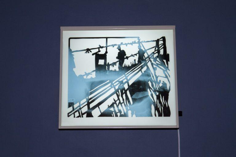 """Frontière interne II 52°01'54.3""""N 23°39'33.4""""E, découpage des radiographies de poumons, 43cm x 35,5 cm x 15 cm, installation sur négatoscope, Centre Culturel Saint Exupéry, Reims, France."""