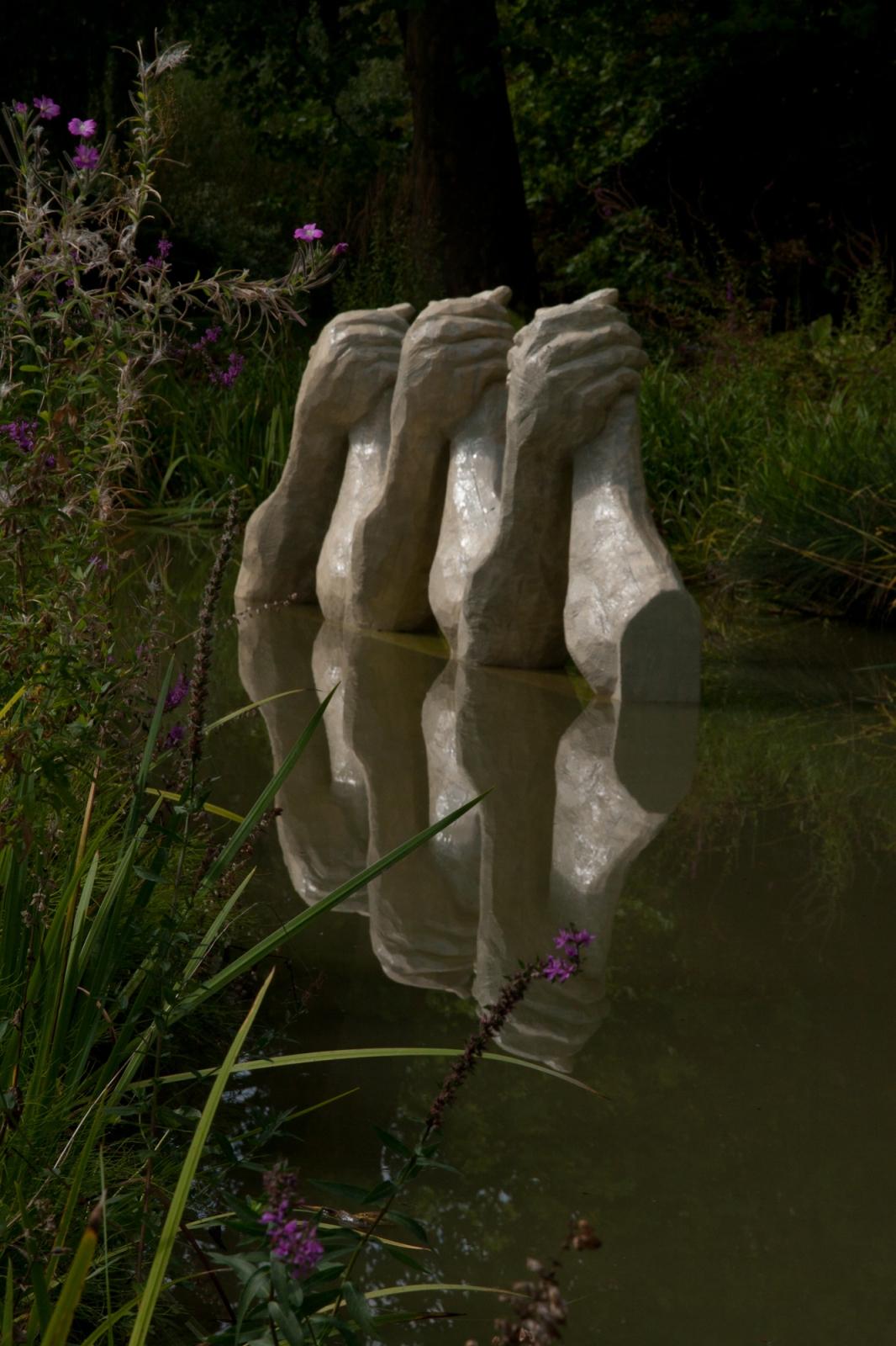 Fight Club, Resin, Styrofoam, Steel, 150 cm x 180 cm x 60 cm x 3 elements, Biennale de Yerres, 2011
