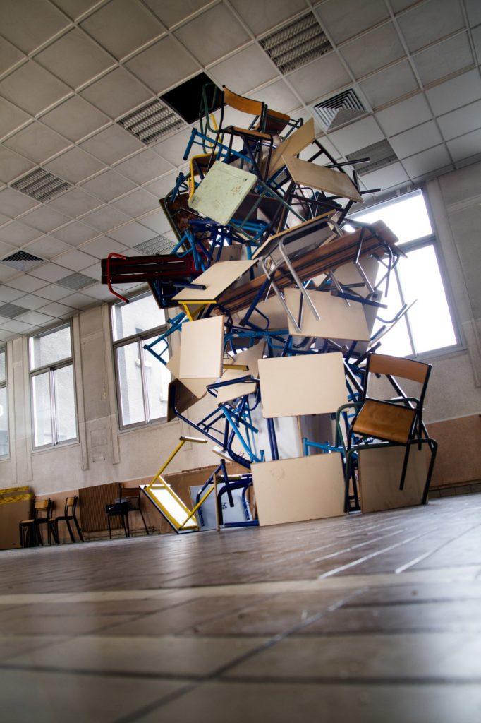 Colonne sans fin (étude), Installation in situ, Biennale de Gentilly, 2m x 2m x 4,5m, 2019.